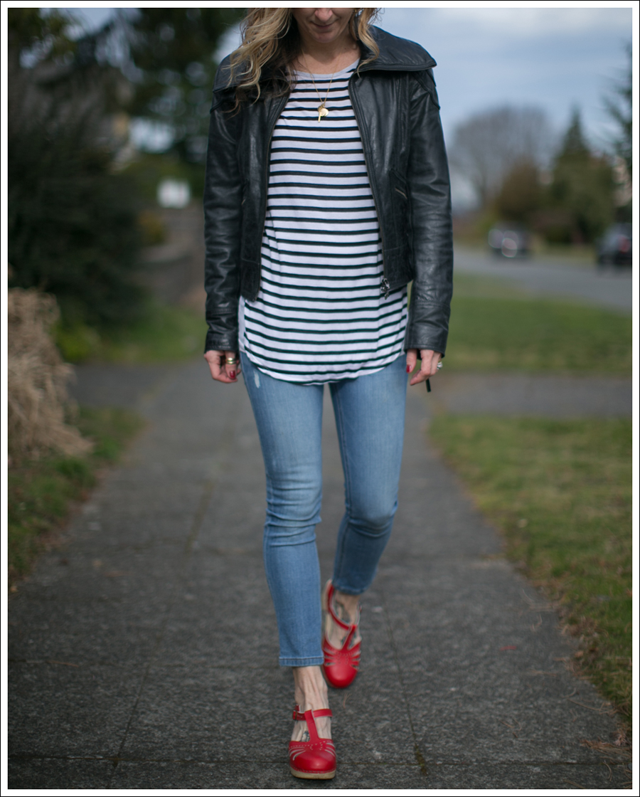 blog-doma-leather-jacket-striped-top-dl1961-toni-red-sven-clogs-2