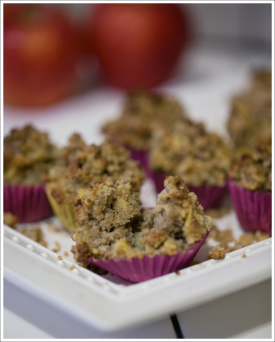 blog-paleo-apple-streusel-gluten-free-muffins-5
