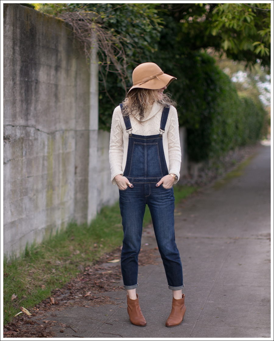 blog-vintage-felt-hat-paige-sierra-overalls-j-crew-sweater-sam-edelman-lisle-booties-1