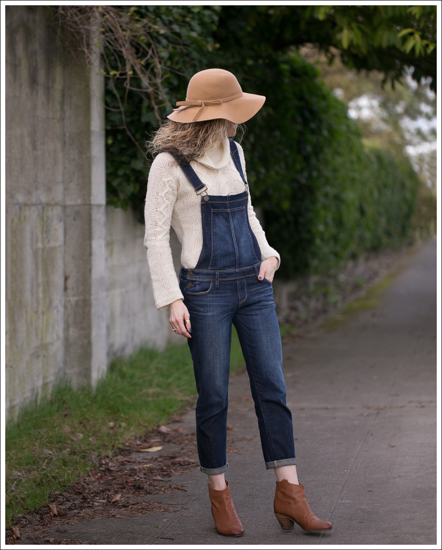 blog-vintage-felt-hat-paige-sierra-overalls-j-crew-sweater-sam-edelman-lisle-booties-2