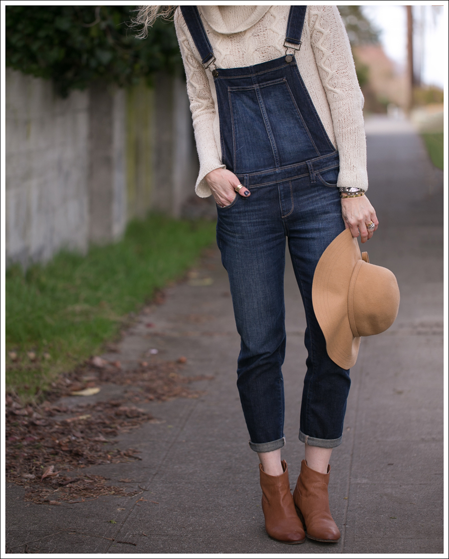 blog-vintage-felt-hat-paige-sierra-overalls-j-crew-sweater-sam-edelman-lisle-booties-4