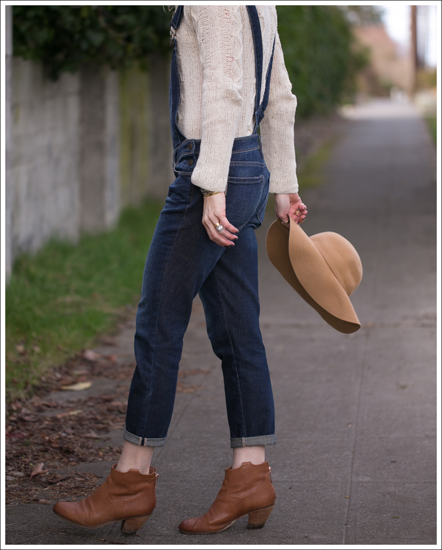 blog-vintage-felt-hat-paige-sierra-overalls-j-crew-sweater-sam-edelman-lisle-booties-6